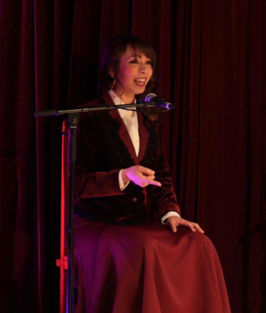 Carmen Cantando
